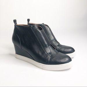 Paolo Felicia Wedge Sneaker Bootie Black Size 6